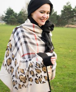 Plain Hijab Black & Cream Burberry 6