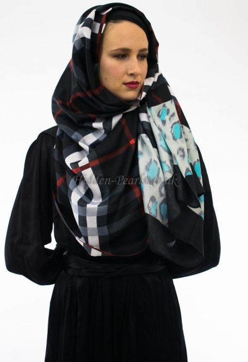 Burberry Hijab Black 2