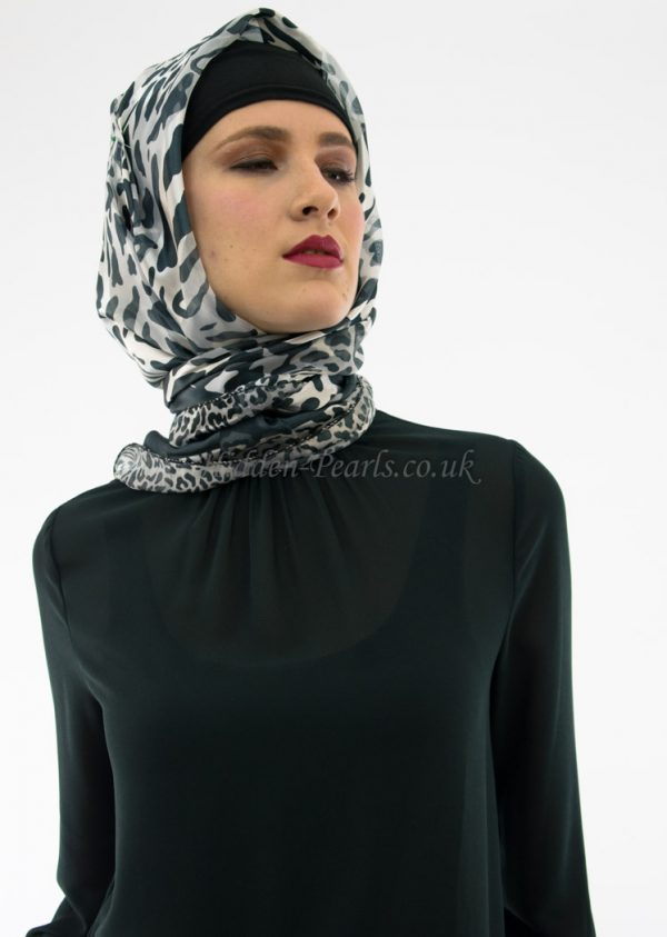 Turkish Hijab Leopard Grey & White 2