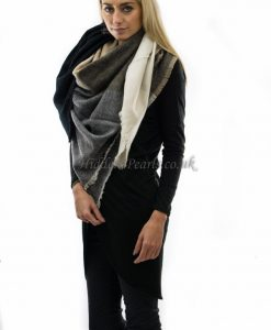 blanket check scarf black, cream & white