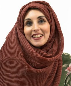 Crinkle Hijab - Rust - Hidden Pearls cropped