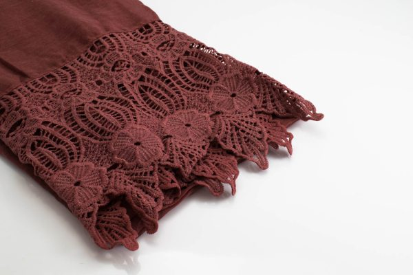 Antique Lace Hijab Blush