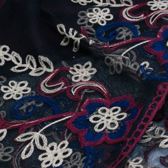 Black Vintage Lace Hijab - Close Up - Hidden Pearls