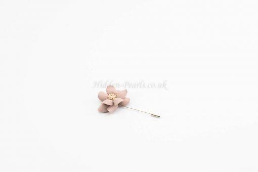 Daisy Flower Pin - Light Lavender - Hidden Pearls