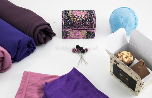 Trendy Hijabi Gift Box - Hidden Pearls.2