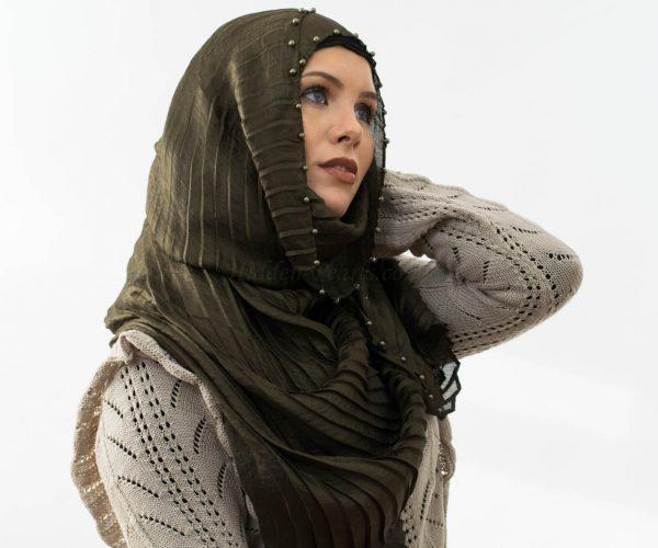 Metalic Pleated Hijab - Hunter Green 6 -Hidden Pearls