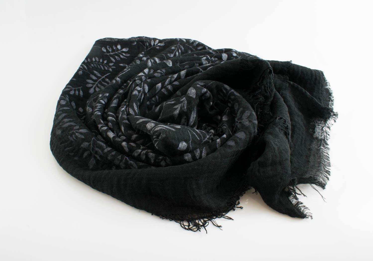 Printed Leaves Hijab - Hidden Pearls - Black